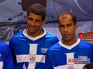 Diego Souza elogia a nova camisa azul do Vasco - Vasco Notícias 7481c2b718238