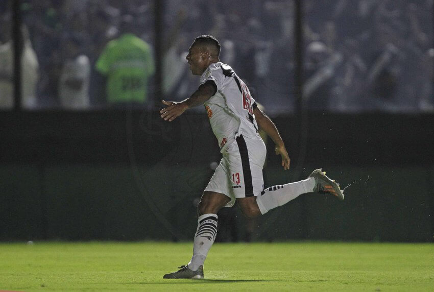 Fredy Guarín (Vasco 1 x 0 Cruzeiro)