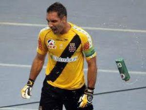 Fernando Prass é o jogador que mais pontuou no Cartola FC em 2011 ... 54a5f64ae5ace
