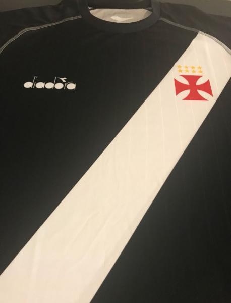 1dd5d597bc7a1 Foto  novas camisas do Vasco produzidas pela Diadora - Vasco Notícias