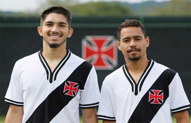 41b5f0998a74b Vasco lança camisas retrô em homenagem aos títulos de 74 e 89 ...