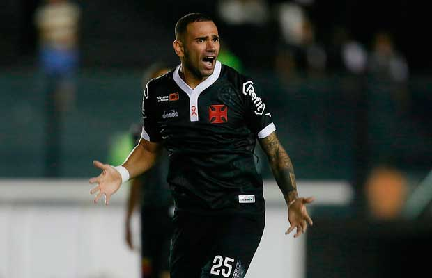 Leandro Castan usará a camisa 5