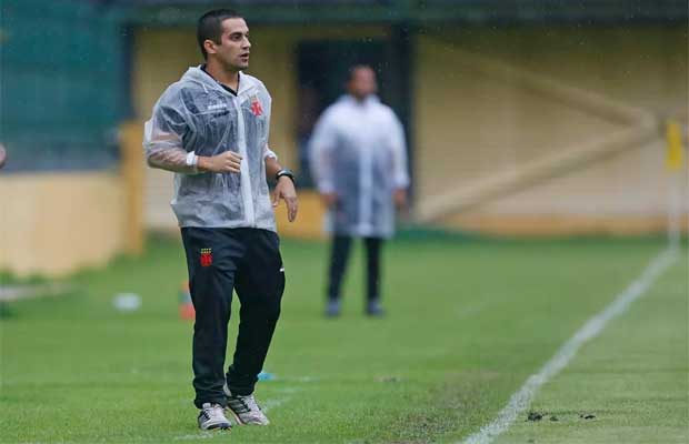 Celso Martins, técnico do Sub-17 do Vasco