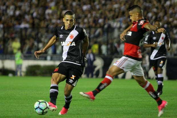 6b44340d77 Vasco estaria interessado em Gilberto que estava no Fluminense ...