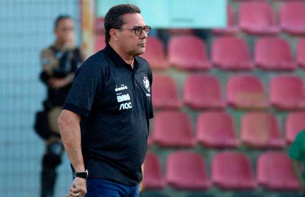 Vanderlei Luxemburgo, técnico do Vasco
