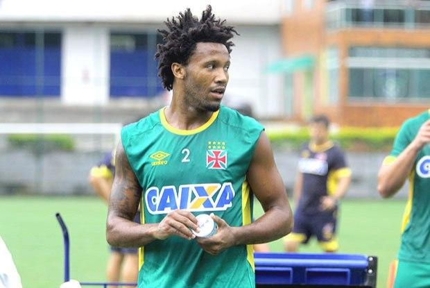 5640098c4d1ad Zagueiros do Vasco já marcaram oito gols em 2016