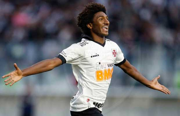 Talles Magno volta ao time titular do Vasco