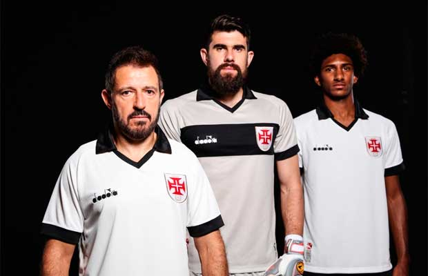 Nova terceira camisa do Vasco