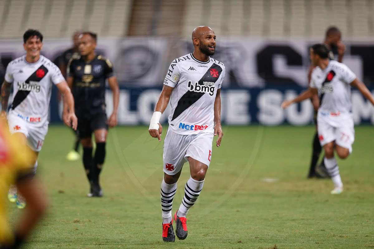 Fellipe Bastos em jogo contra o Ceará