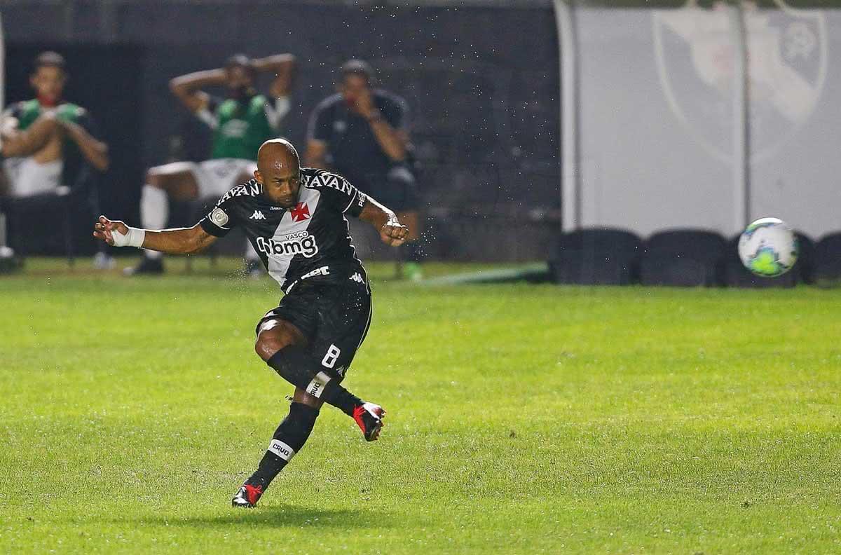 Fellipe Bastos durante o jogo contra o Sport