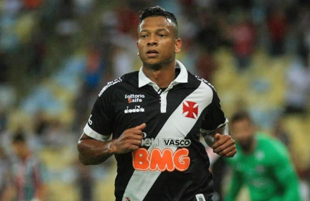 Fredy Guarín durante jogo pelo Vasco