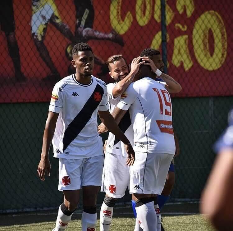 Vasco vence o Madureira pelo Carioca