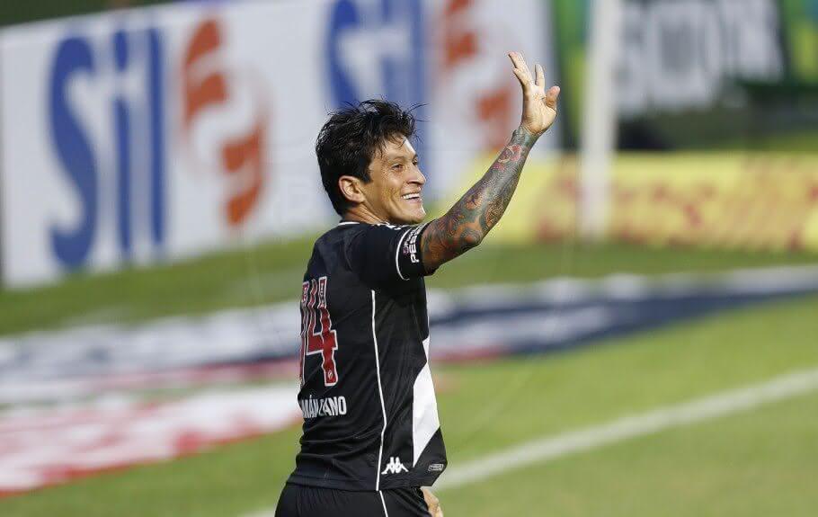 Germán Cano comemorando gol contra o São Paulo