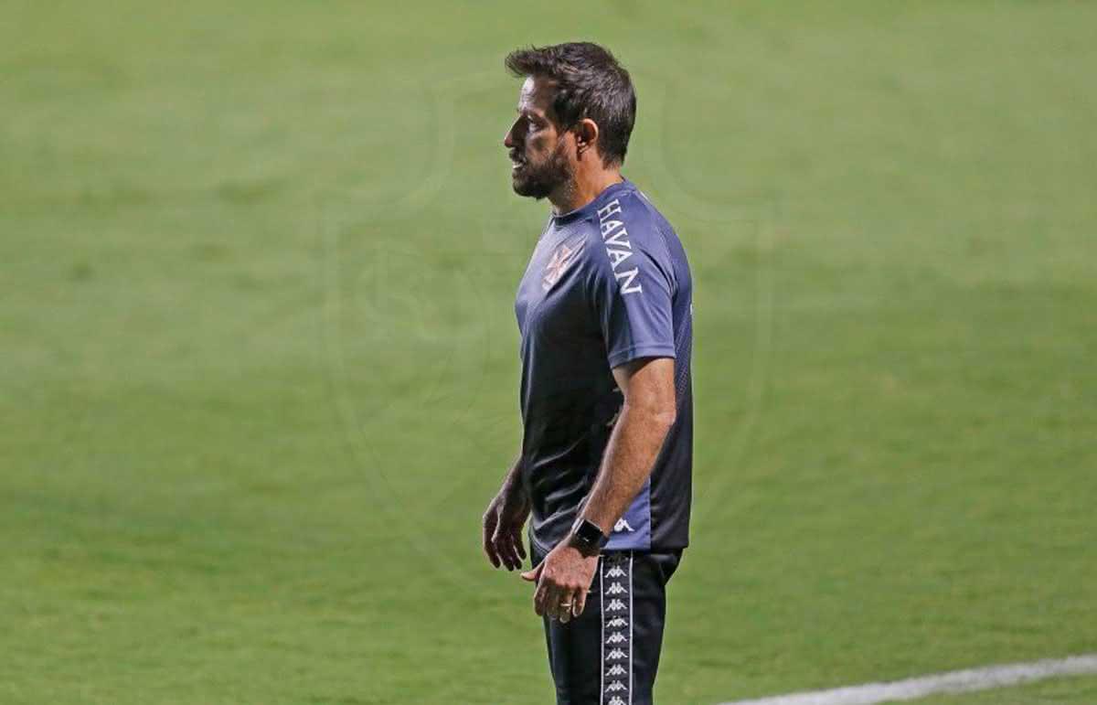 Ramon Menezes durante o jogo contra o Goiás