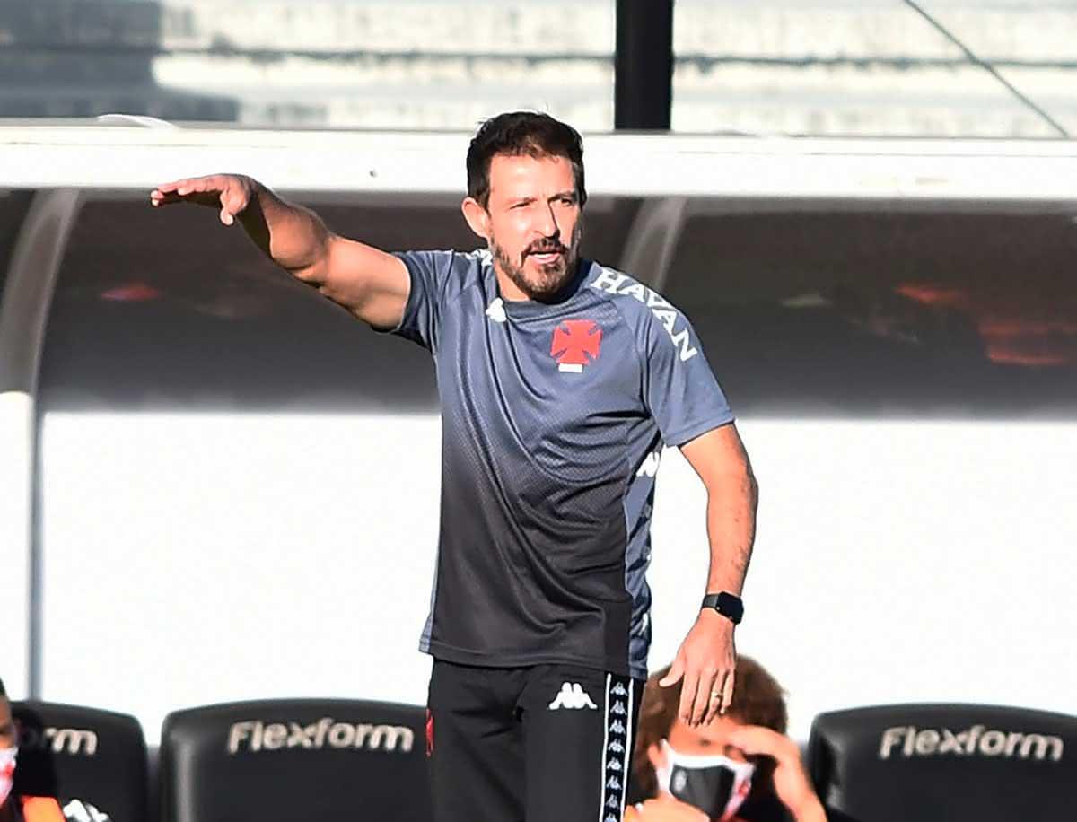 Ramon Menezes em jogo contra o Grêmio