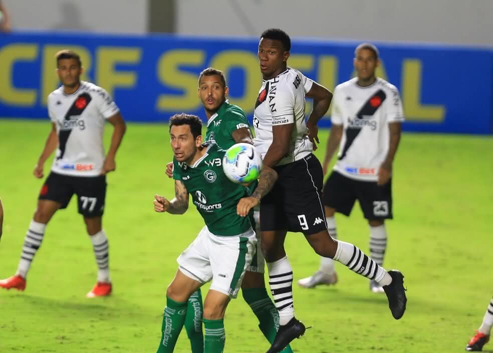 Ribamar em jogo contra o Goiás