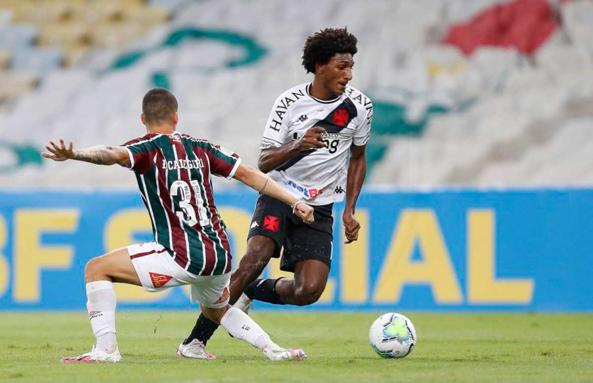 Talles Magno em jogo contra o Fluminense