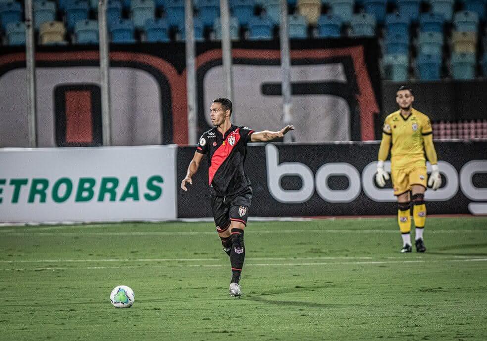 Éder, jogador do Atlético-GO