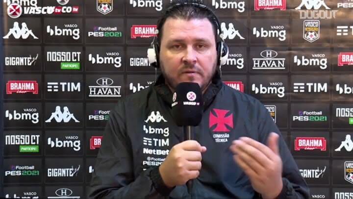 Thiago Kosloski, auxiliar do Vasco em entrevista coletiva