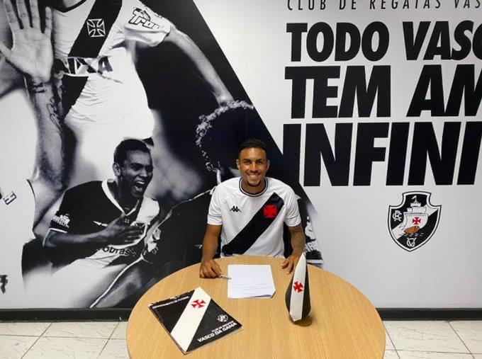Zagueiro João Menezes do Sub-20
