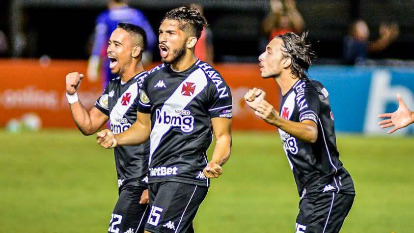 Andrey comemorando gol contra o Botafogo