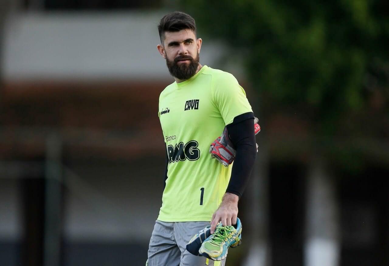 Fernando Miguel em treino do Vasco