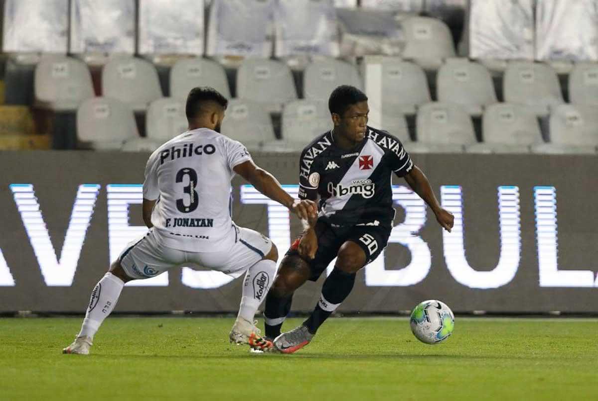 Juninho em jogo contra o Santos