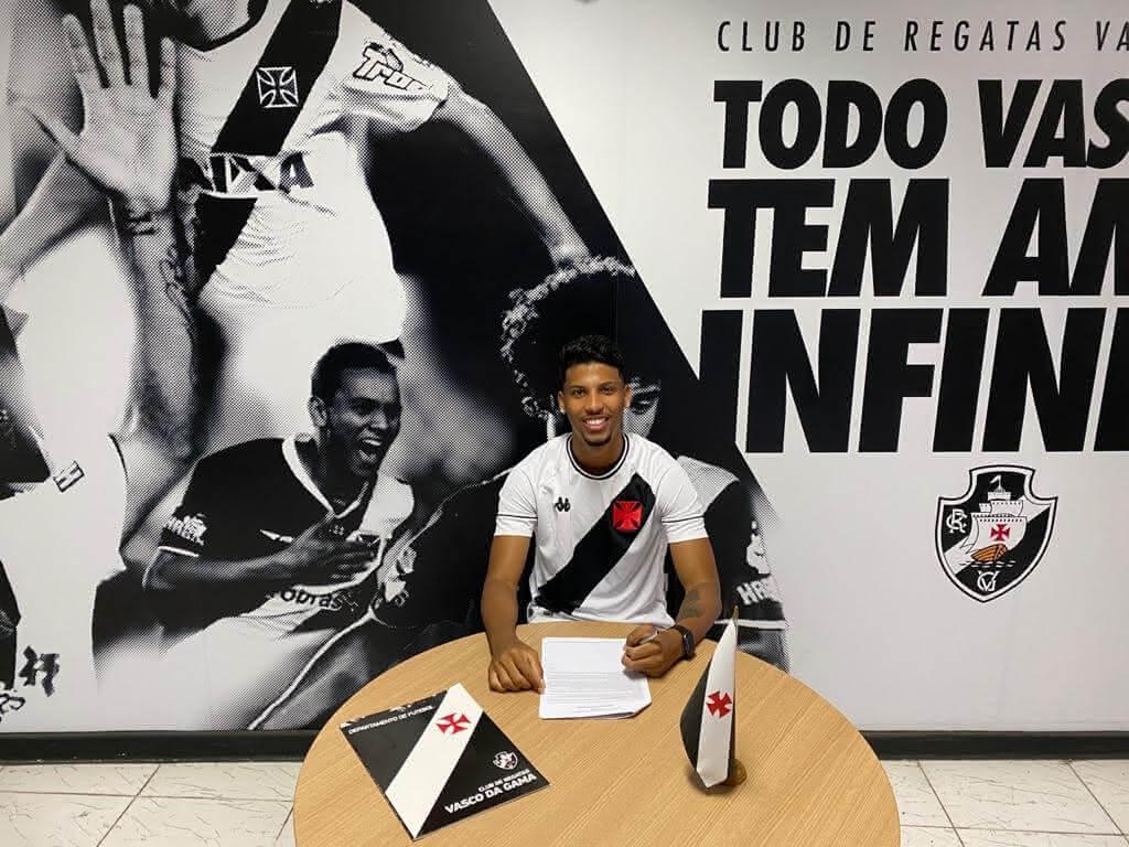 Laranjeira assina com o Vasco até julho de 2022