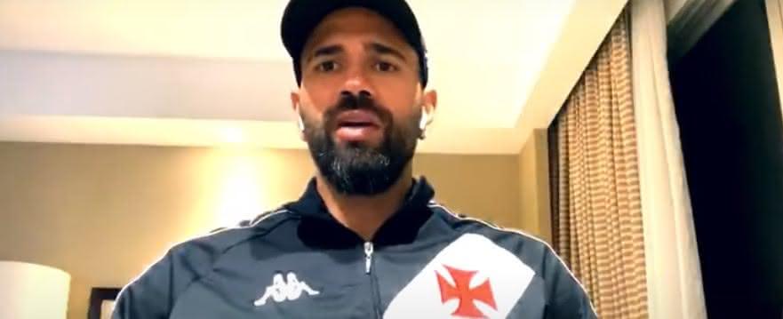 Leandro Castan durante live da Vasco TV
