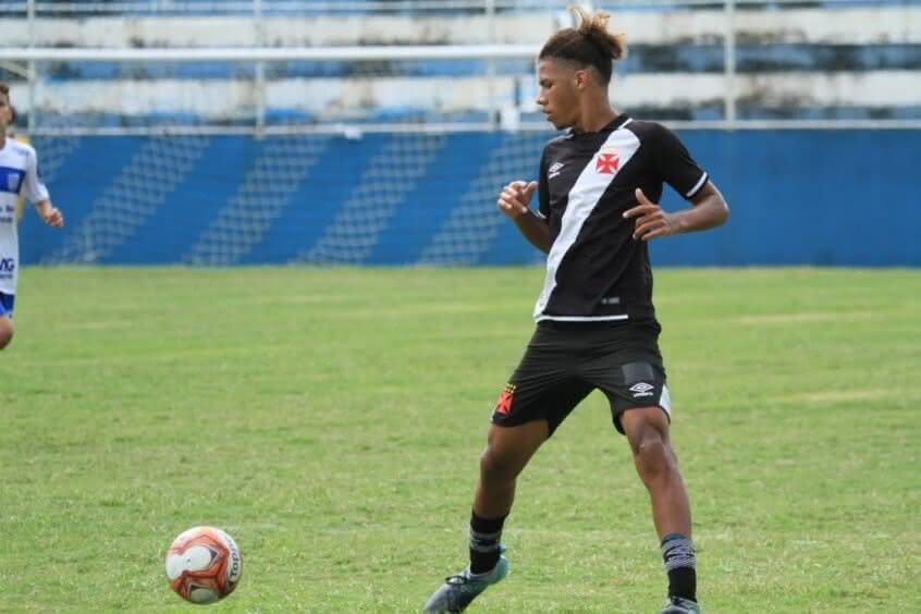 Lateral Nathan nunca jogou pelo profissional do Vasco