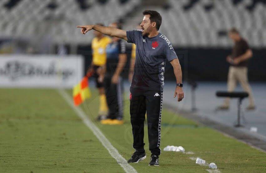 Ramon Menezes durante o clássico contra o Botafogo