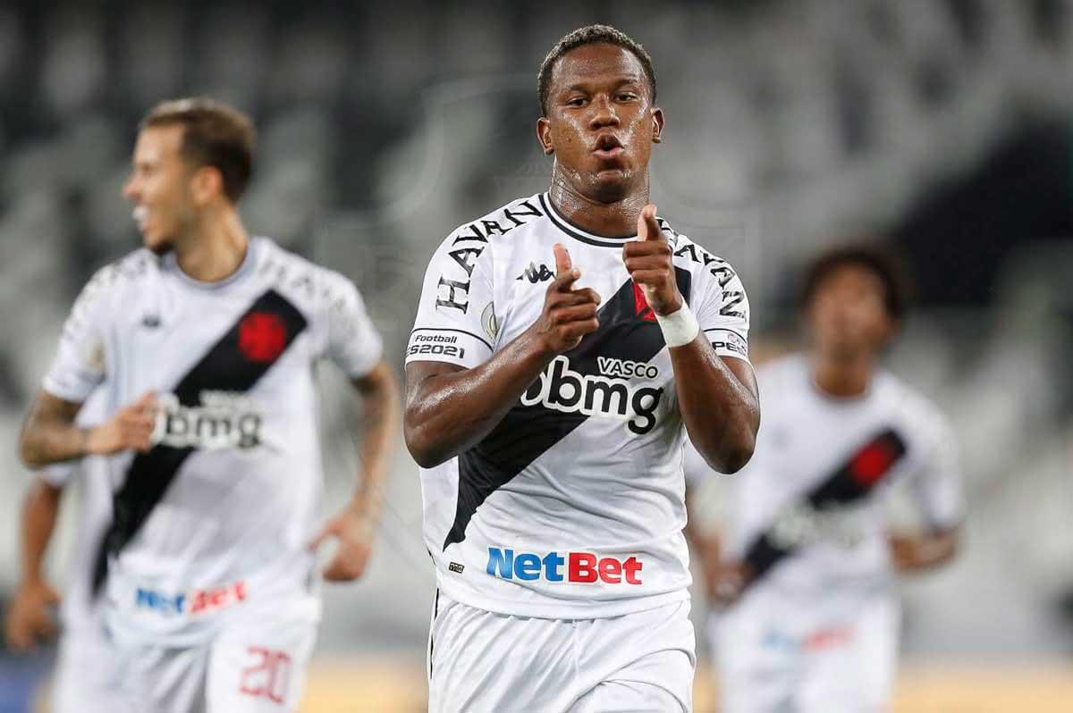 Ribamar comemorando gol contra o Botafogo