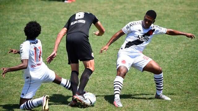 Vasco empata com o Bragantino em São Januário