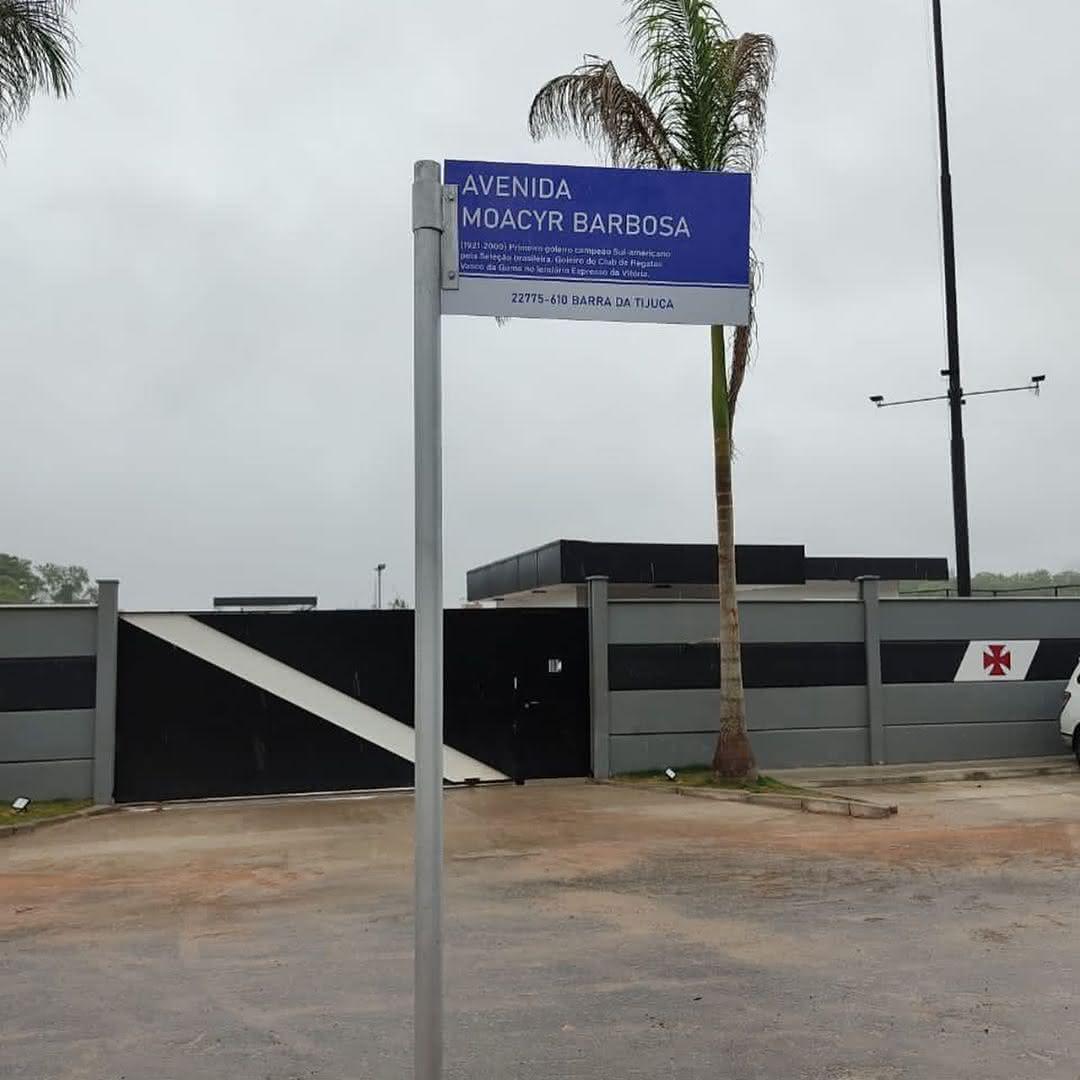 Avenida Moacyr Barbosa, em frente ao CT do Almirante