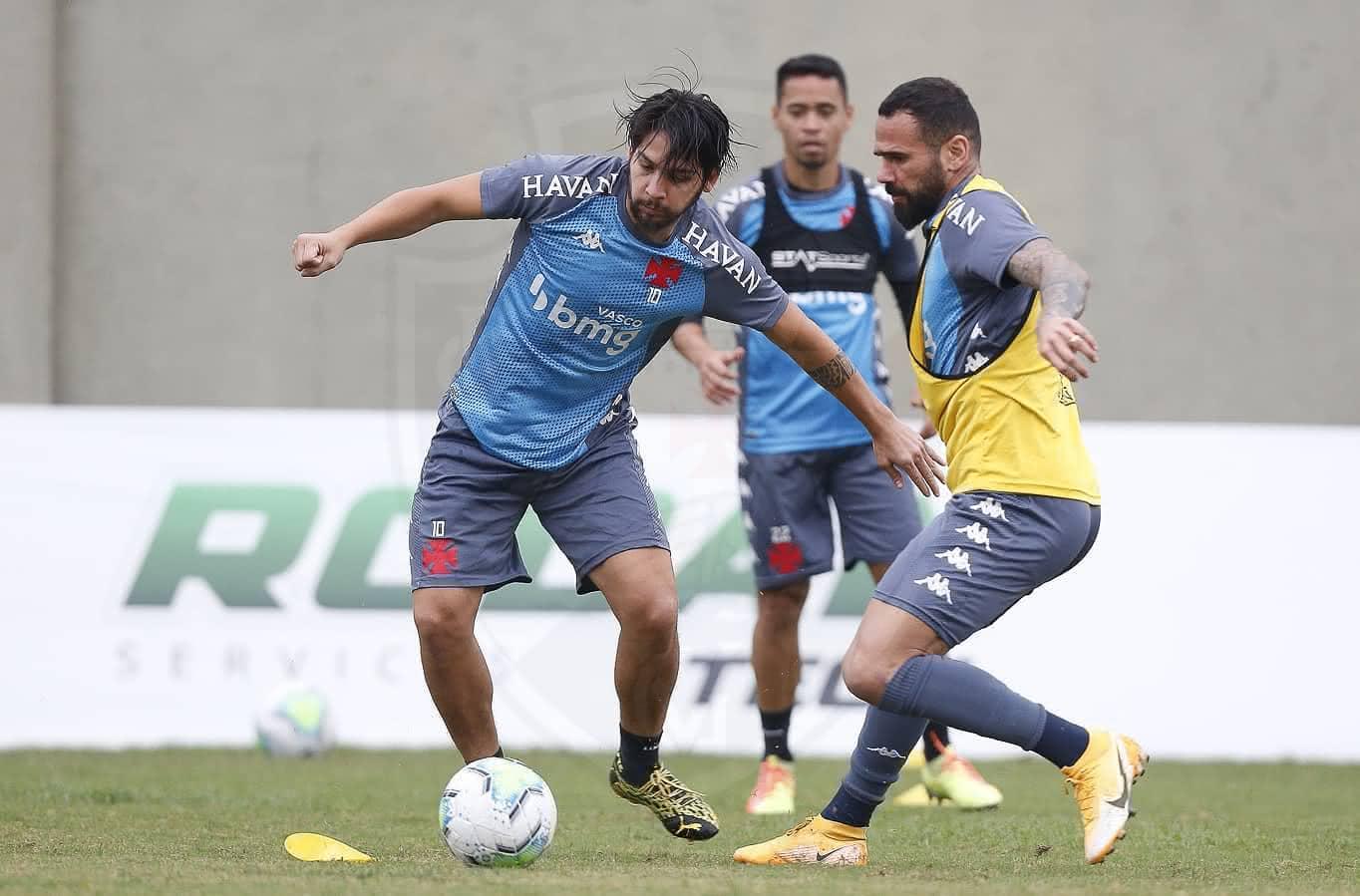 Benítez e Castan em treino do Vasco