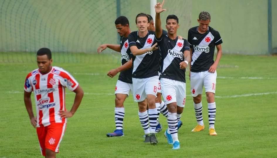 Laranjeira em ação contra o Bangu pela Taça Guanabara Sub-20