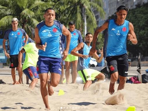 Treinamento do time de Beach Soccer do Vasco