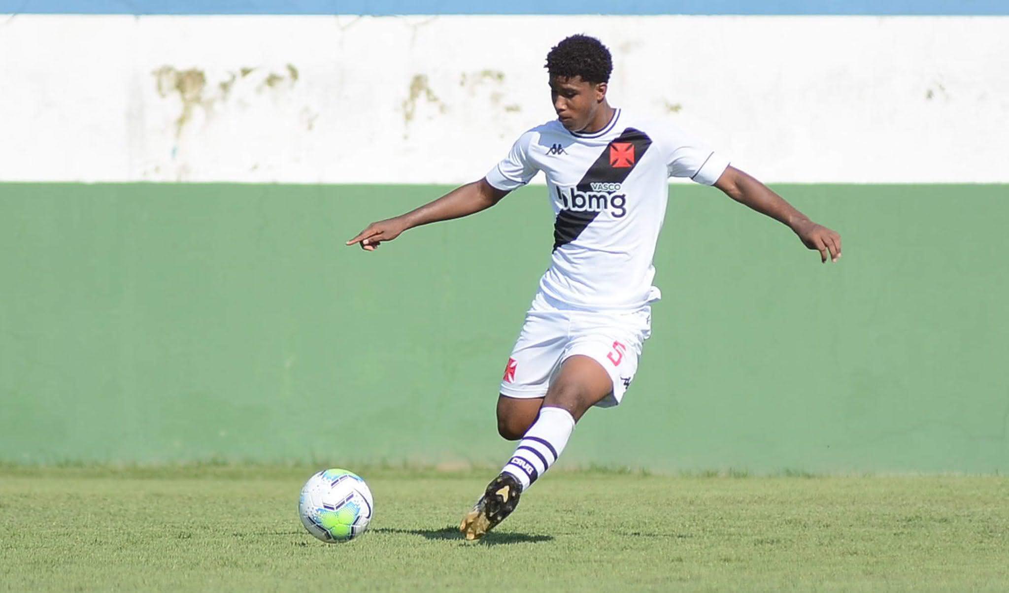 Andrey Santos, volante da base do Vasco