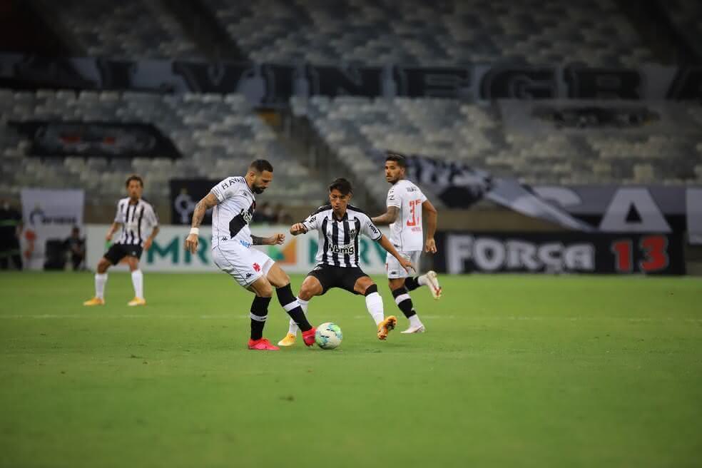 Leandro Castan durante o jogo contra o Atlético-MG
