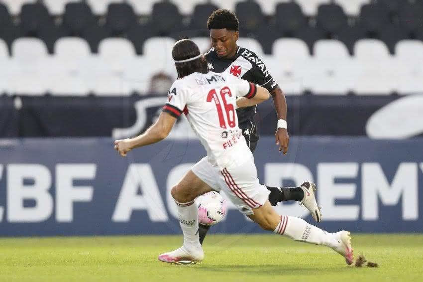 Cayo Tenório em jogo contra o Flamengo