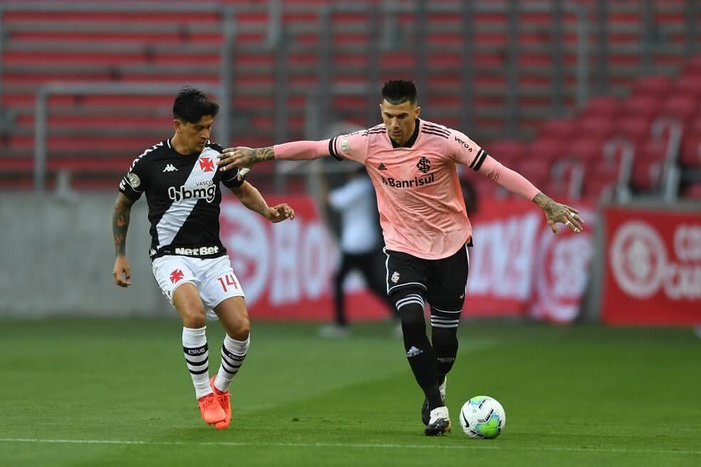 Germán Cano durante jogo contra o Internacional