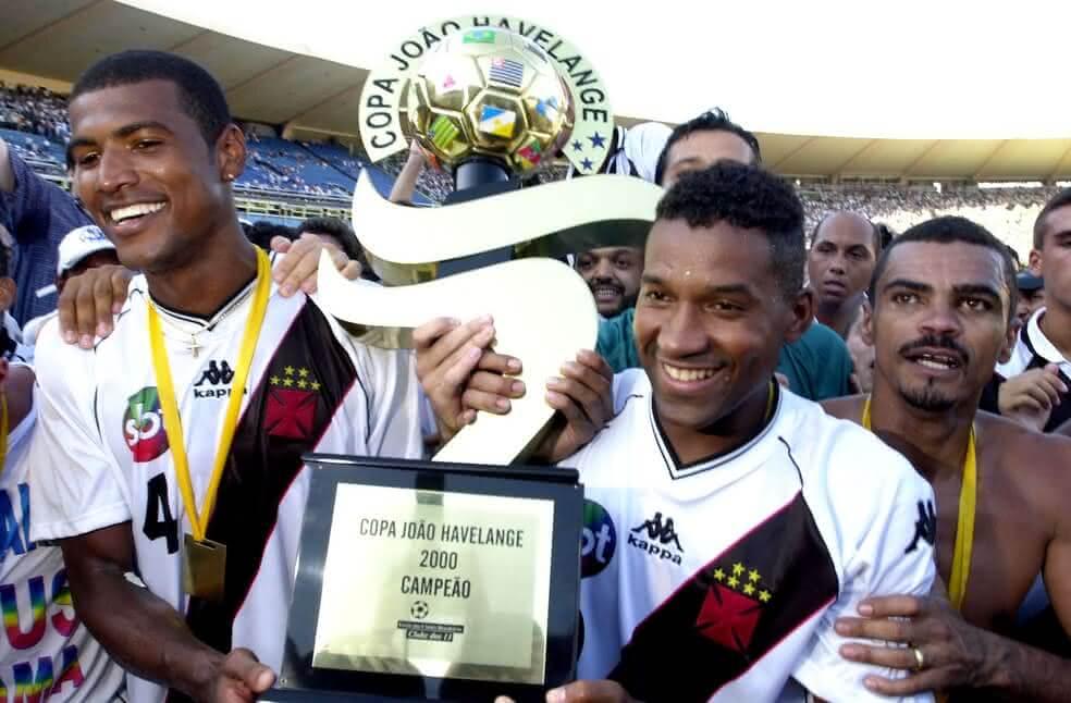 Júnior Baiano, campeão da Mercosul de 2000 pelo Vasco