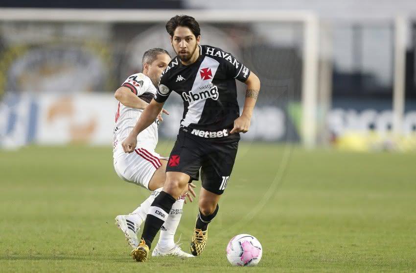 Martín Benítez em jogo contra o Flamengo