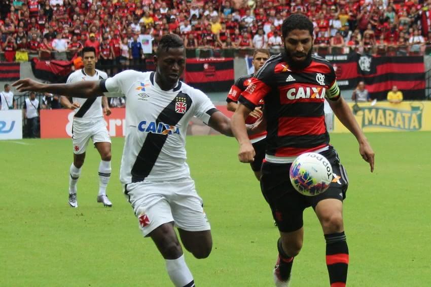 Riascos marcou na última vitória do Vasco sobre o Flamengo
