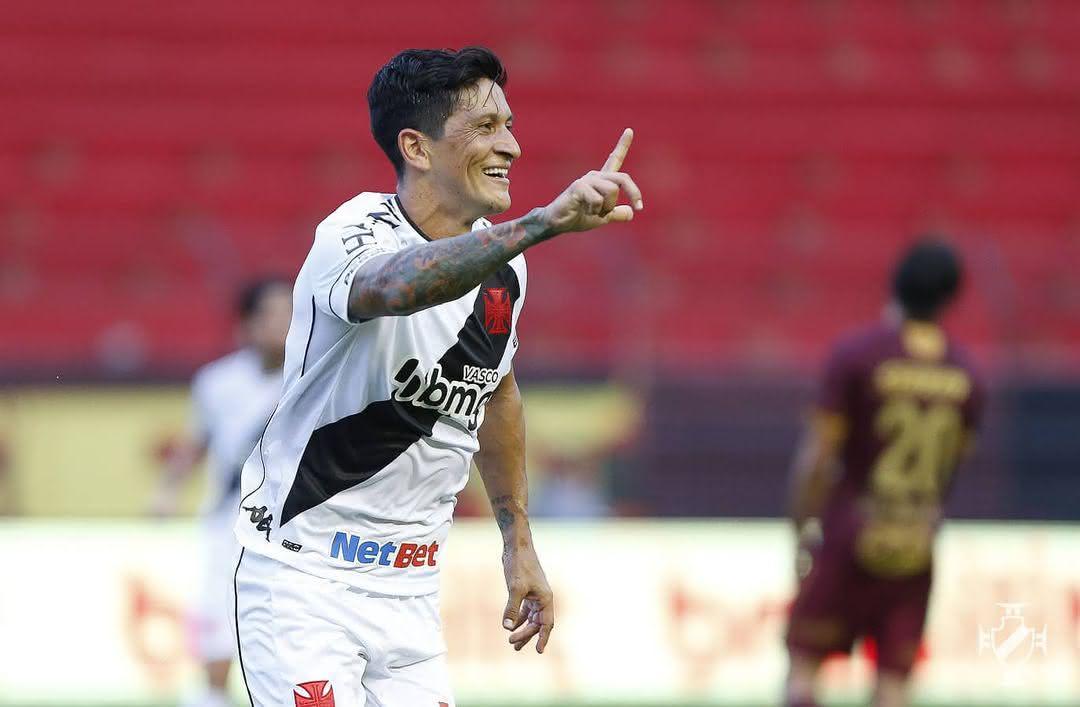 Germán Cano comemorando gol contra o Sport