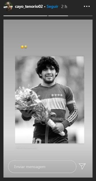 Cayo Tenório publica sobre morte de Maradona