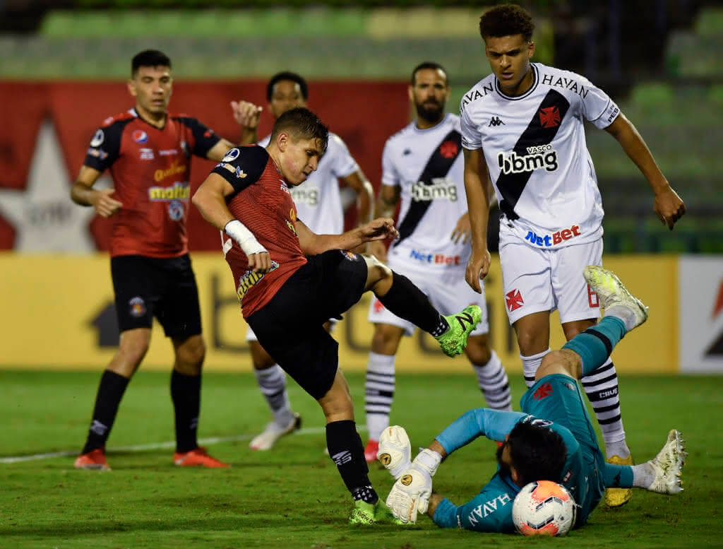 Fernando Miguel em jogo contra o Caracas