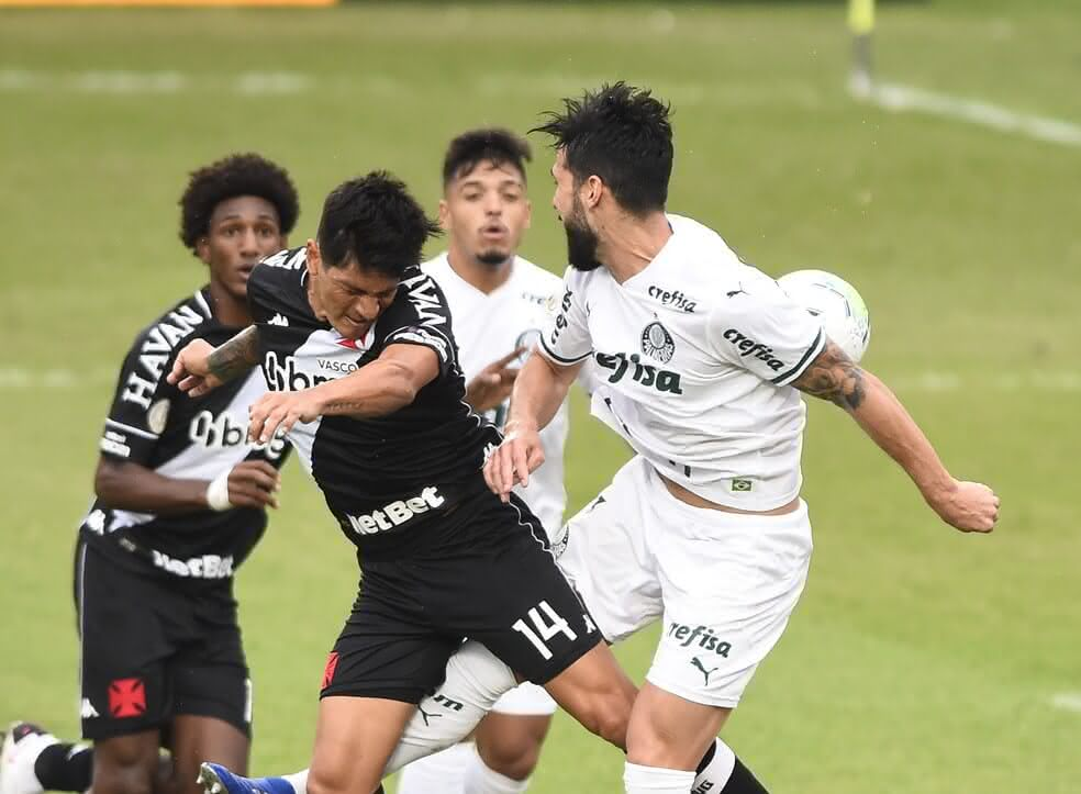 Germán Cano em atuação contra o Palmeiras