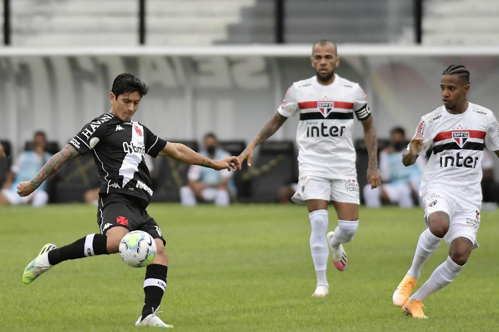 Germán Cano em ação contra o São Paulo
