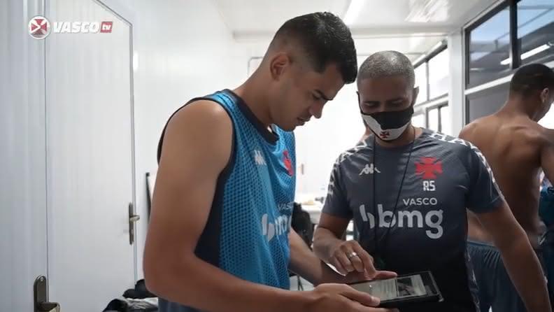 Jadson em primeiro treino pelo Vasco